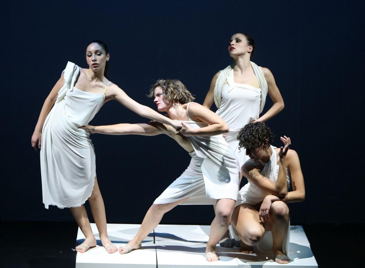Danza Neoclassica e Contemporanea Napolii