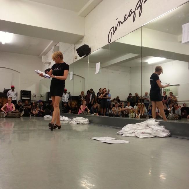 BORSA DI STUDIO - PINEAPPLE DI LONDRA-danza